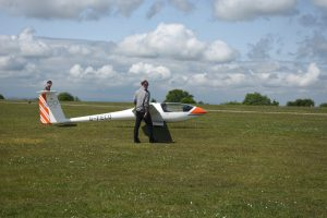 Kit preparing to take off in SoAGC's Astir