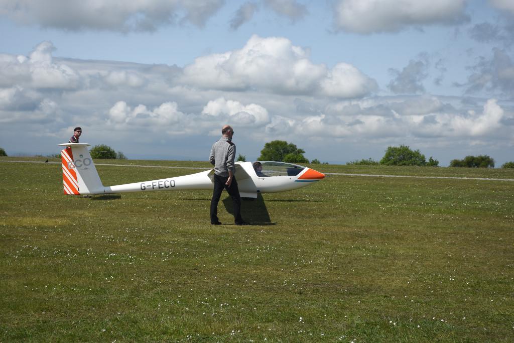 Kit preparing to take off in SoAGC's Astir