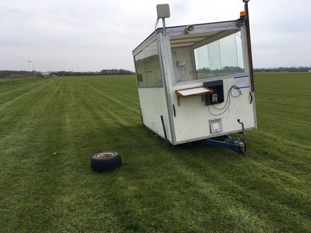 trailer-wheel-off
